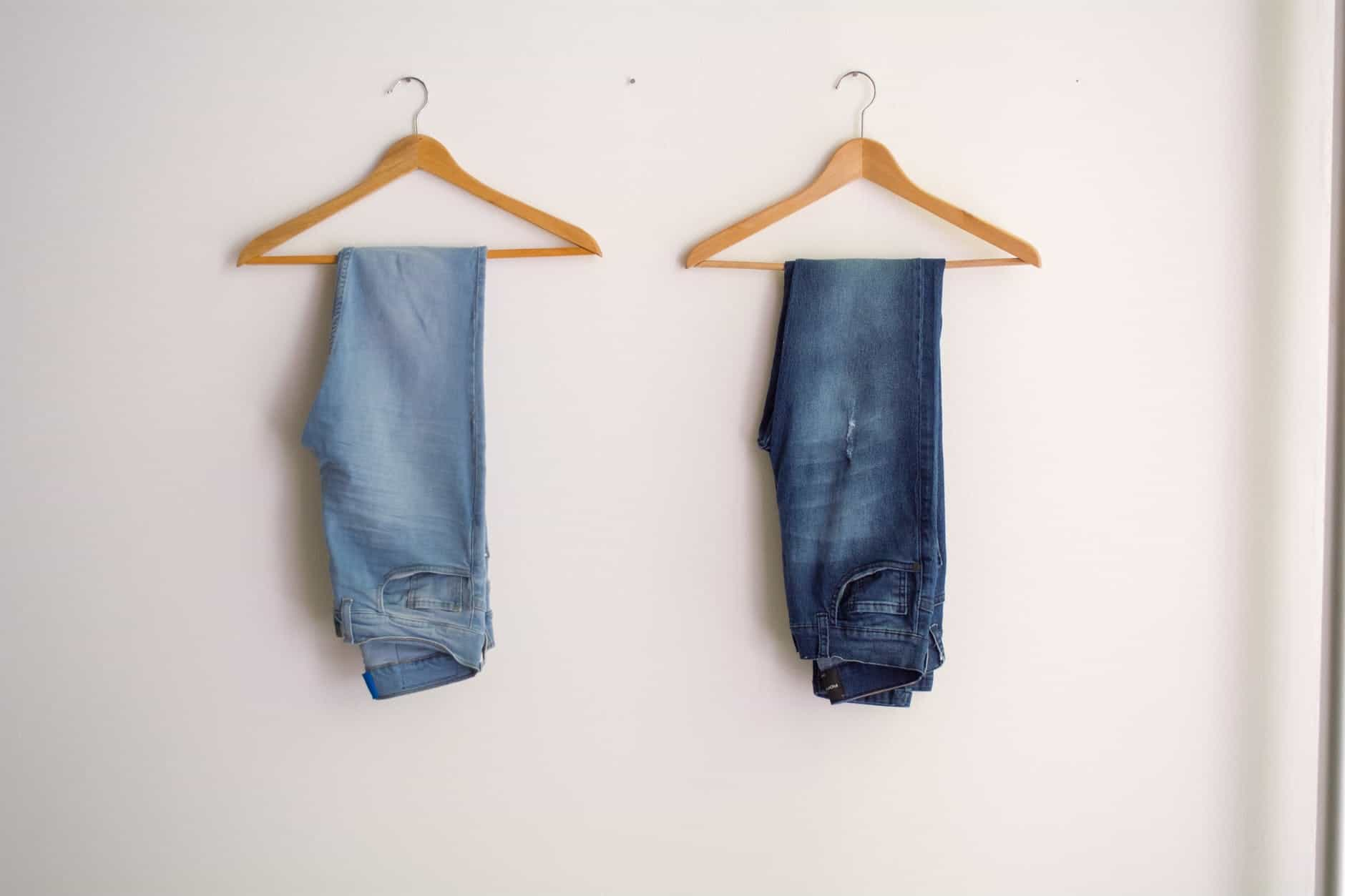 Two hang Tapered Jeans